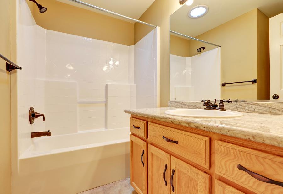 Tub refinishing, bathtub reglazing and bath reglazing